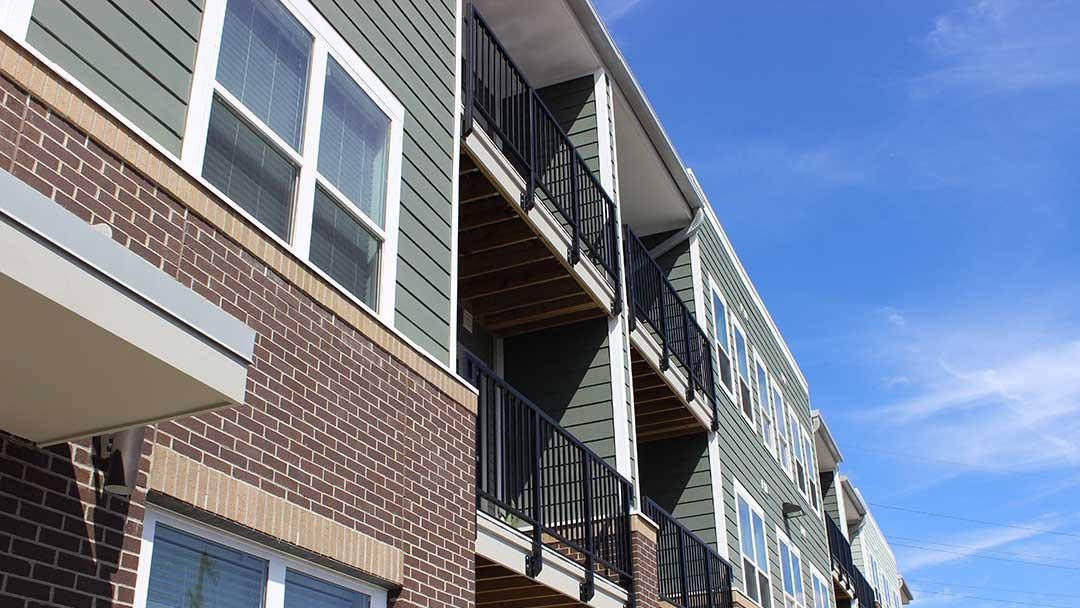 Apartments Near RWC Heritage at Oakley Square for University of Cincinnati-Raymond Walters College Students in Blue Ash, OH