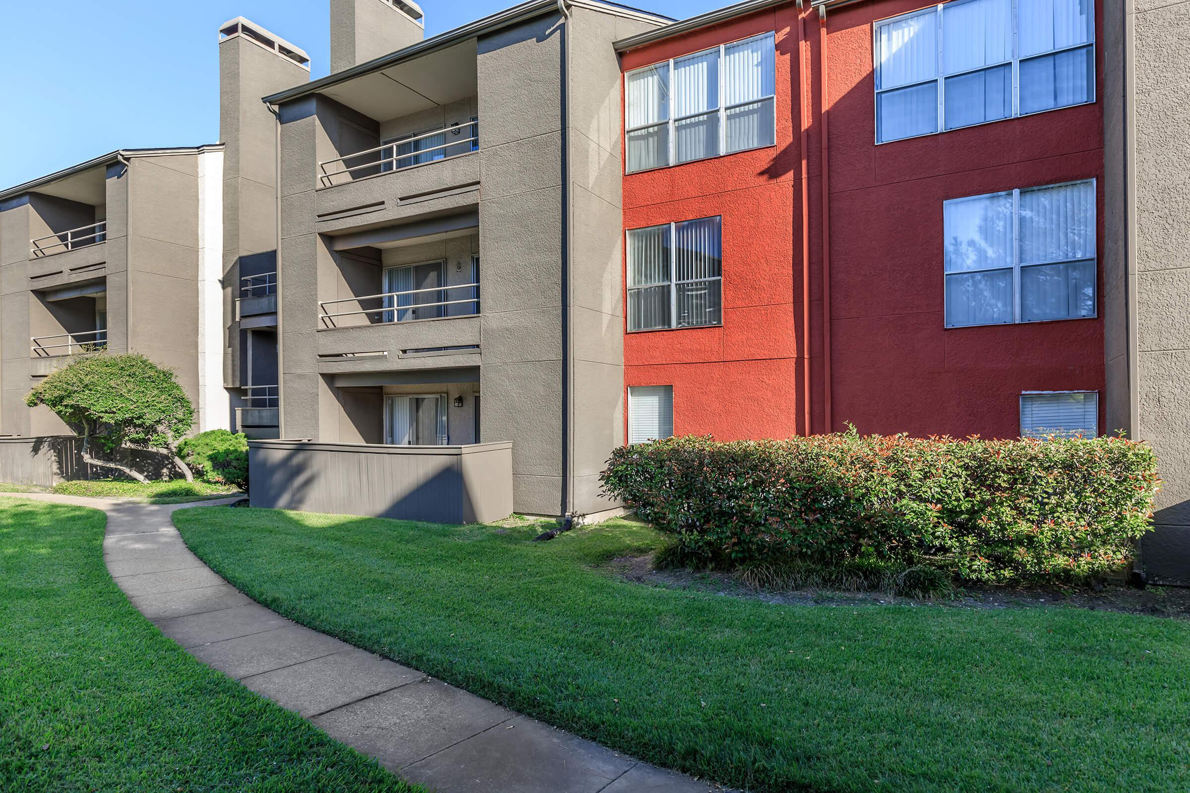 Apartments Near Amberton One Townecrest for Amberton University Students in Garland, TX