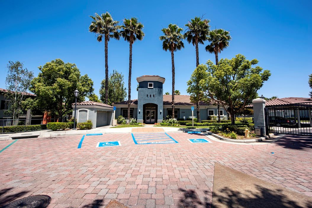 Apartments Near Redlands Estancia for University of Redlands Students in Redlands, CA