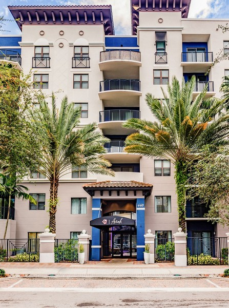 Apartments Near Everest Aviah Flagler Village for Everest University Students in Pompano Beach, FL