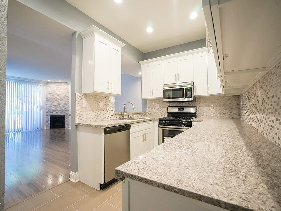 Clarington Court rental