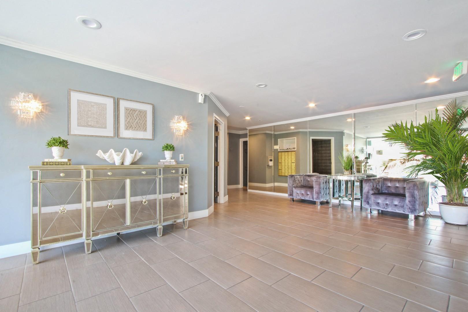 Beverlywood Luxury Apartments rental