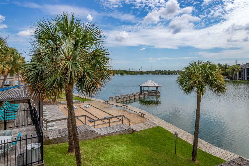 Hidden Lake Apartment Homes (Houston) for rent