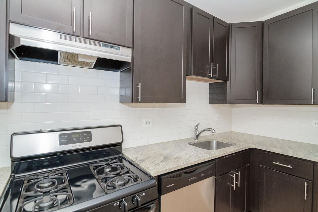 4535-41 N. Leavitt for rent