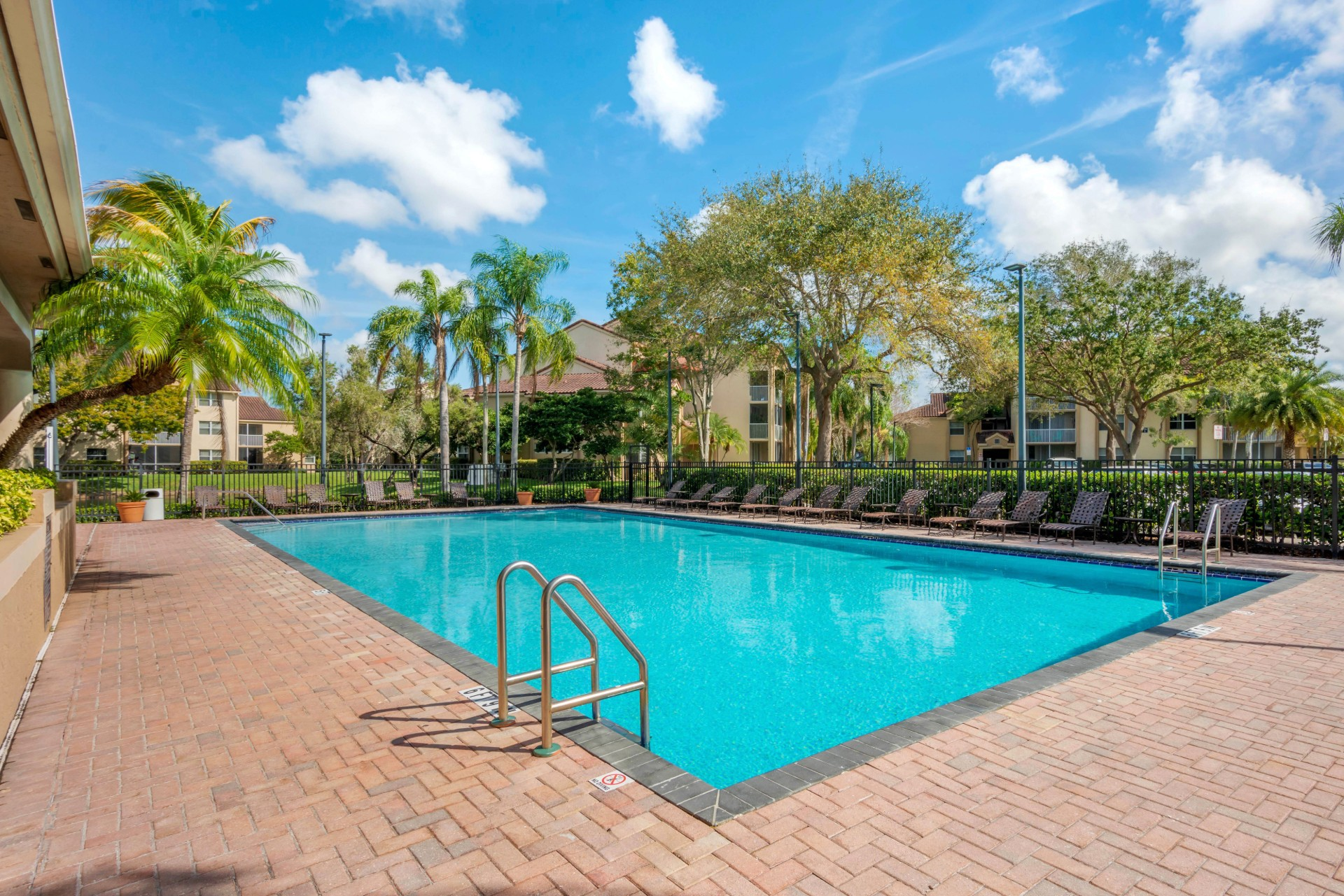 Apartments Near Everest Welleby Lake Club Apartments for Everest University Students in Pompano Beach, FL