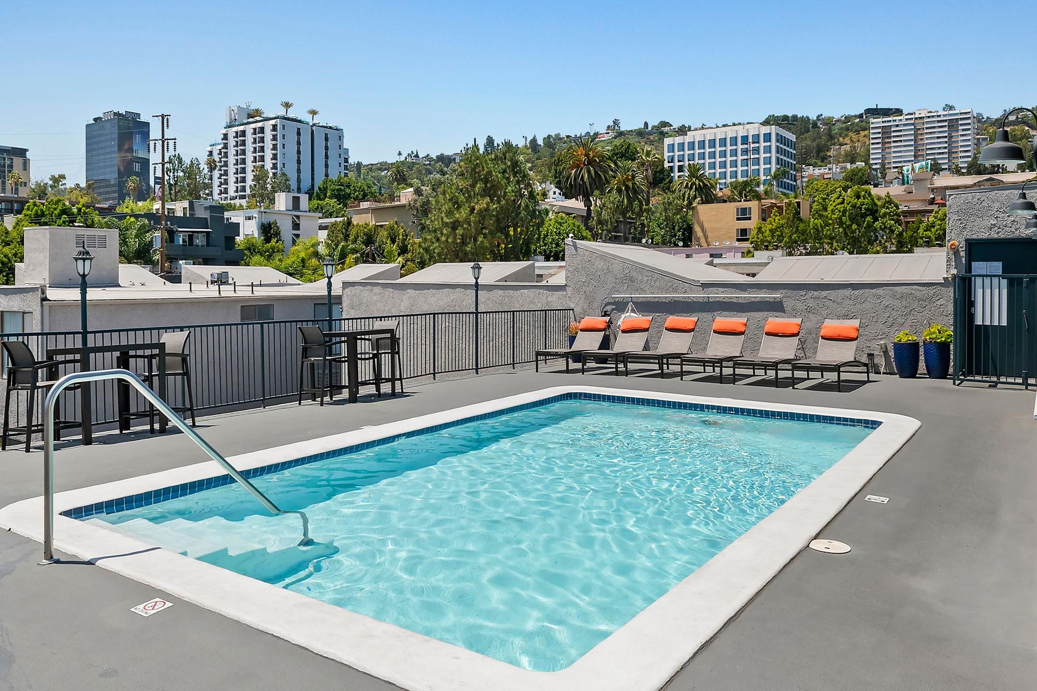 Apartments Near UCLA Villa Francisca for University of California - Los Angeles Students in Los Angeles, CA