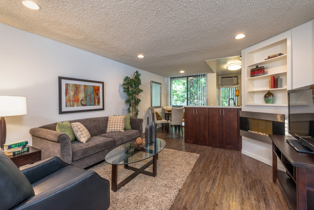 Apartments Near UCLA Villa Esther for University of California - Los Angeles Students in Los Angeles, CA