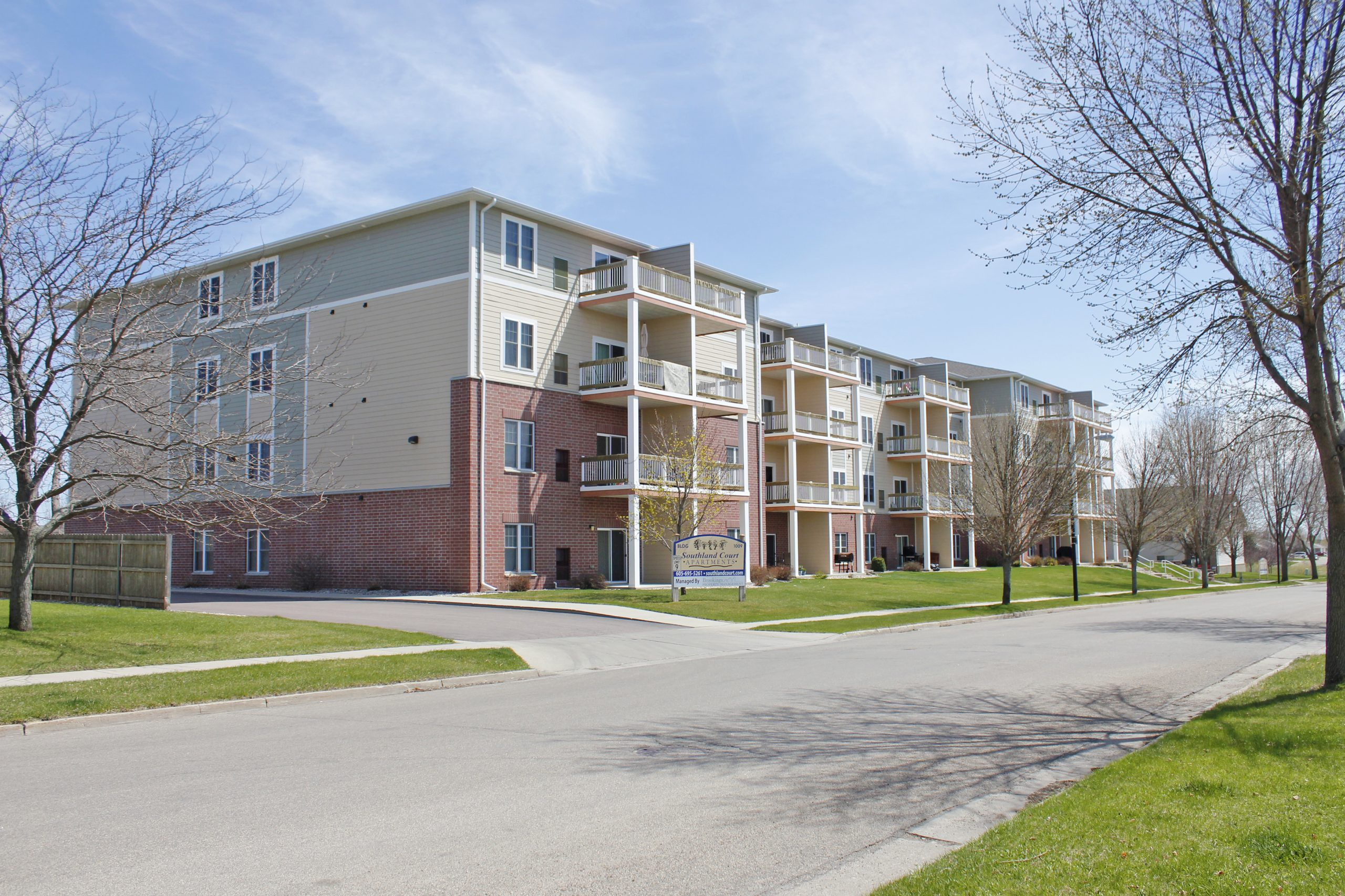 Apartments Near SDSU Southland Court for South Dakota State University Students in Brookings, SD
