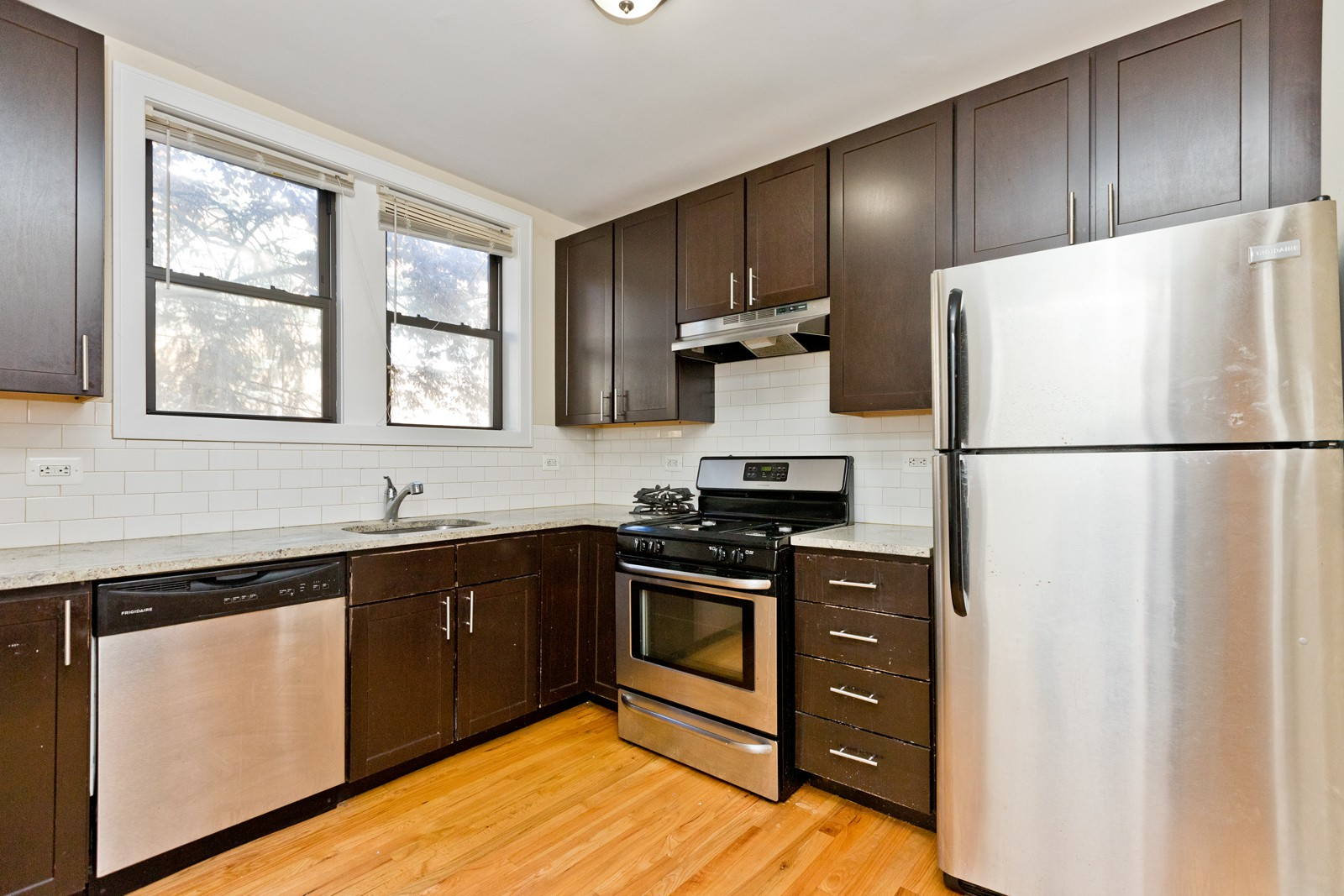 2613-19 W. Berwyn for rent