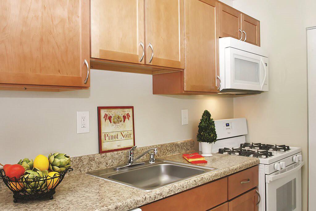 Apartments Near Strayer University-Loudoun Campus The Manor East for Strayer University-Loudoun Campus Students in Ashburn, VA
