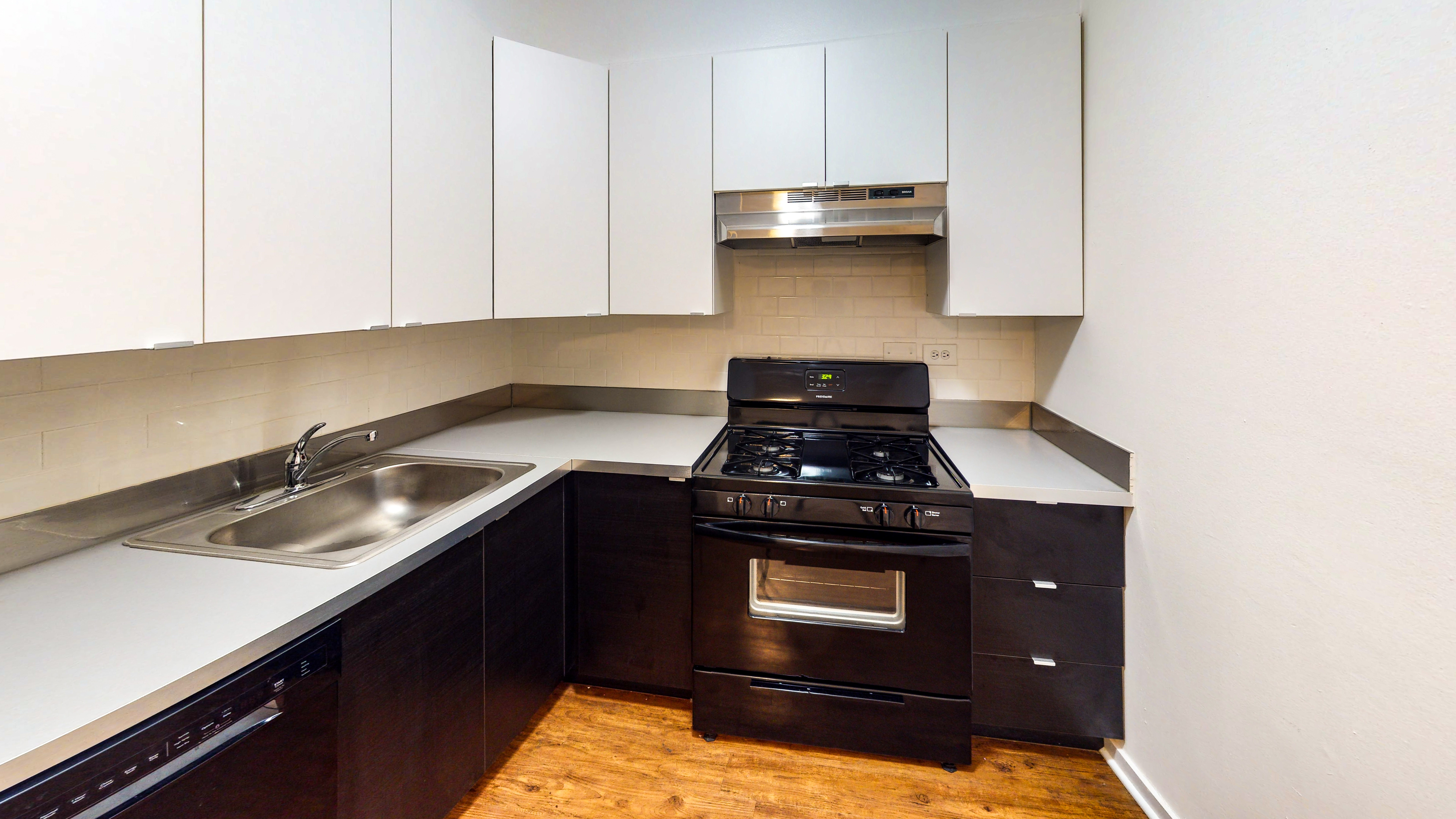 536 W Addison for rent