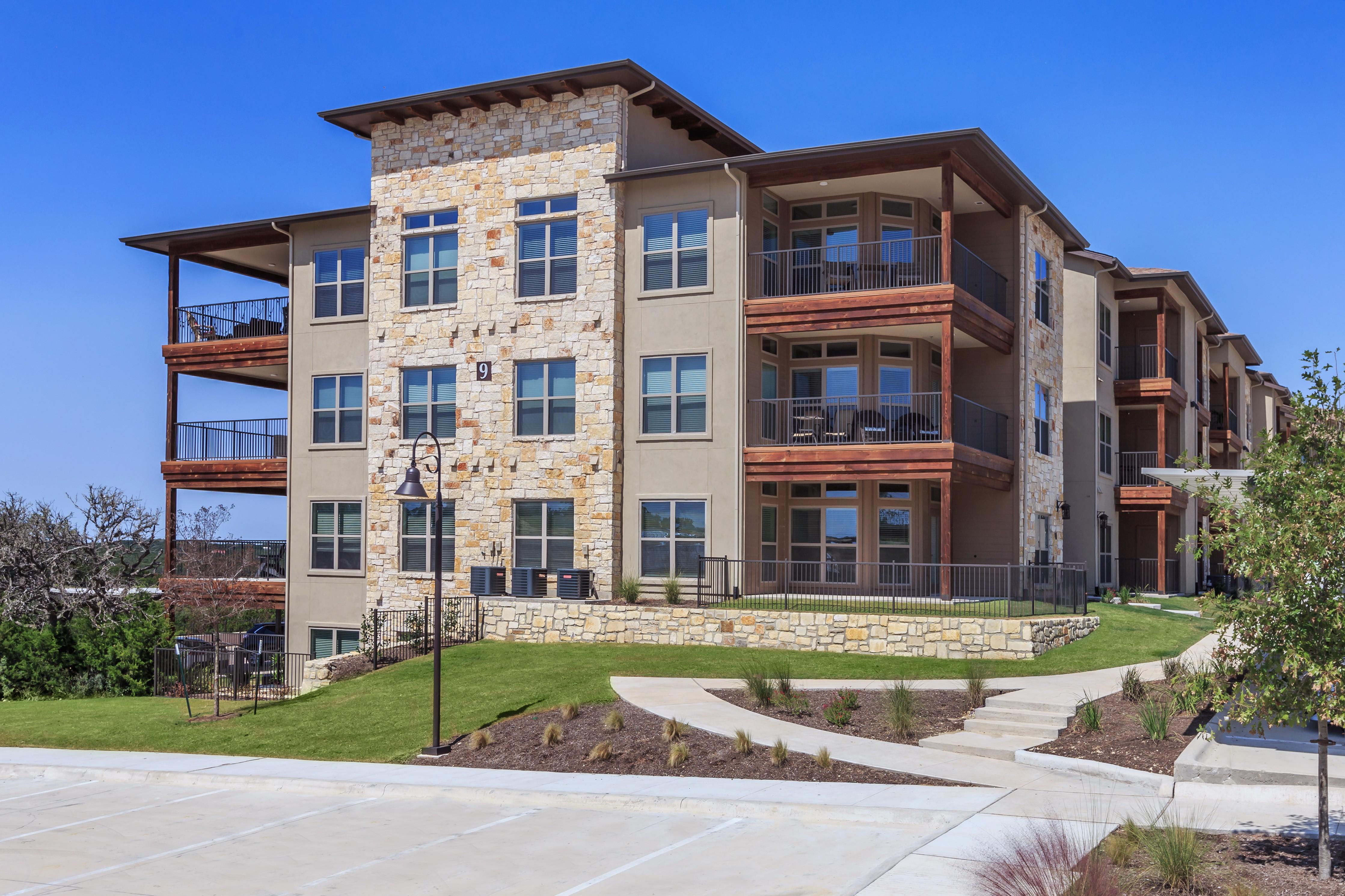 Apartments Near UT Austin Anthem at Ledge Stone for University of Texas - Austin Students in Austin, TX