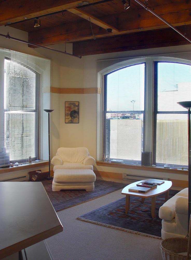 Apartments Near Oakdale 900 Penn for Oakdale Students in Oakdale, PA