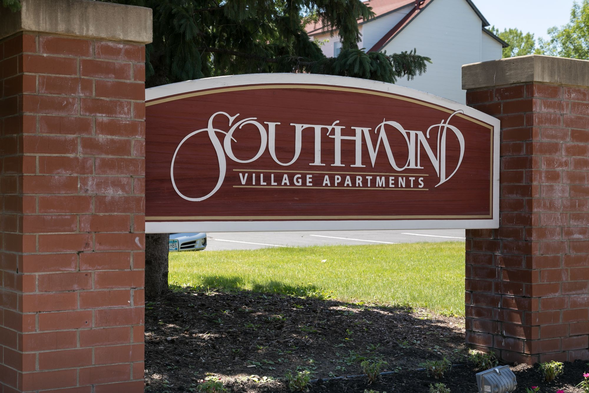 Apartments Near Eden Prairie Southwind Village for Eden Prairie Students in Eden Prairie, MN