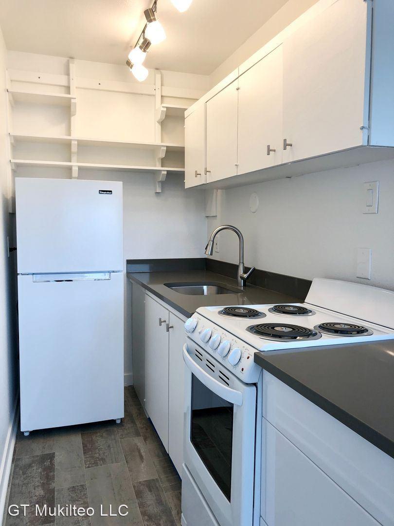 Apartments Near UW Village Vista Apartments for University of Washington Students in Seattle, WA