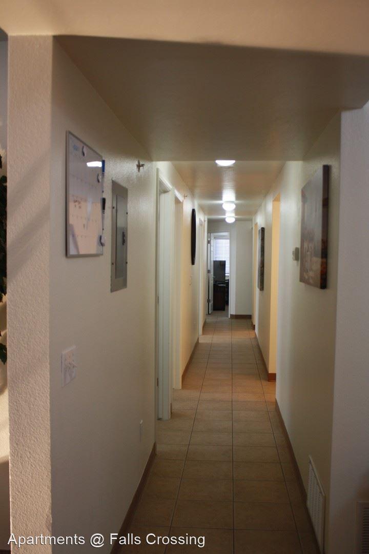 Apartments @ Falls Crossing