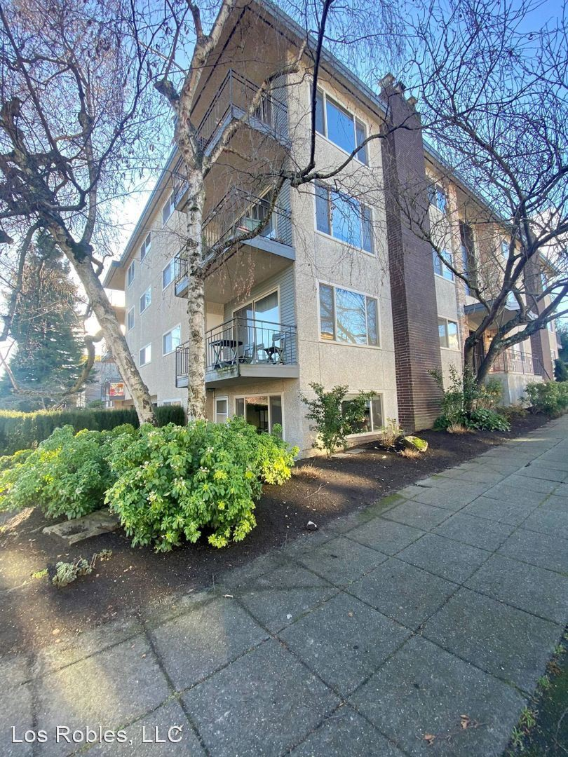 Apartments Near UW Woodland West for University of Washington Students in Seattle, WA