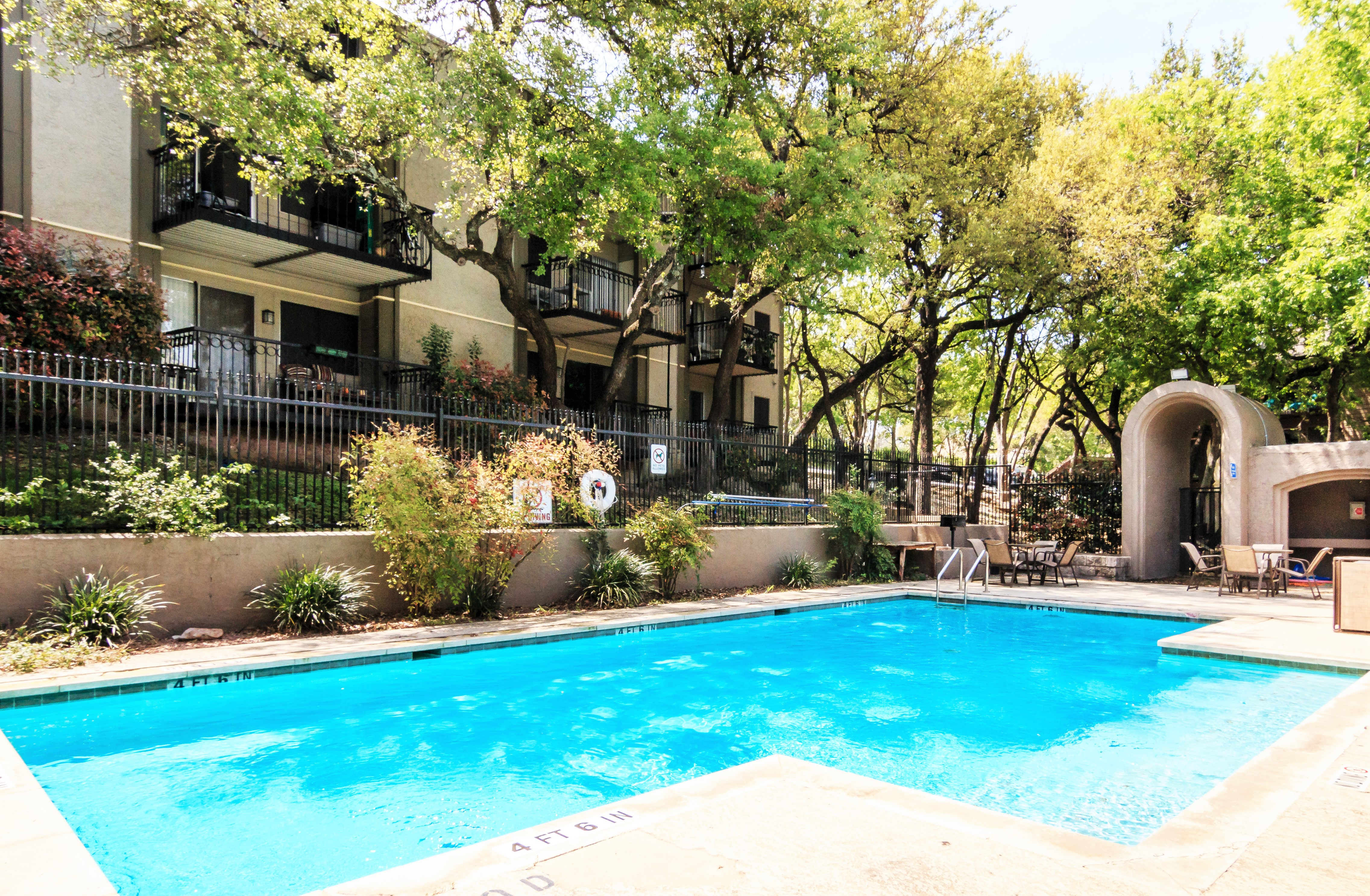 Apartments Near UT Austin Villas at Southport for University of Texas - Austin Students in Austin, TX