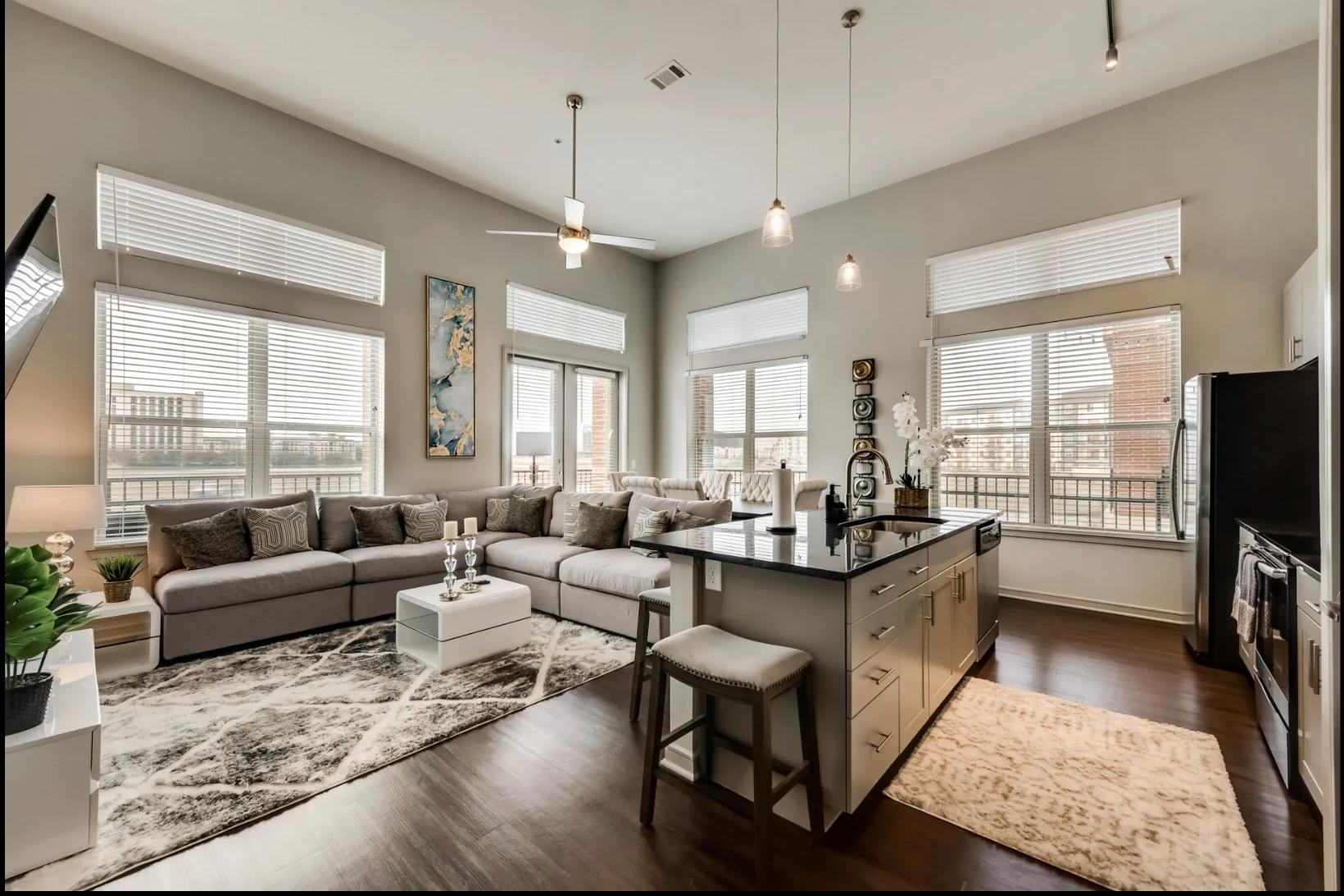 Apartments Near UT Arlington Nabro @ East Shore for University of Texas at Arlington Students in Arlington, TX