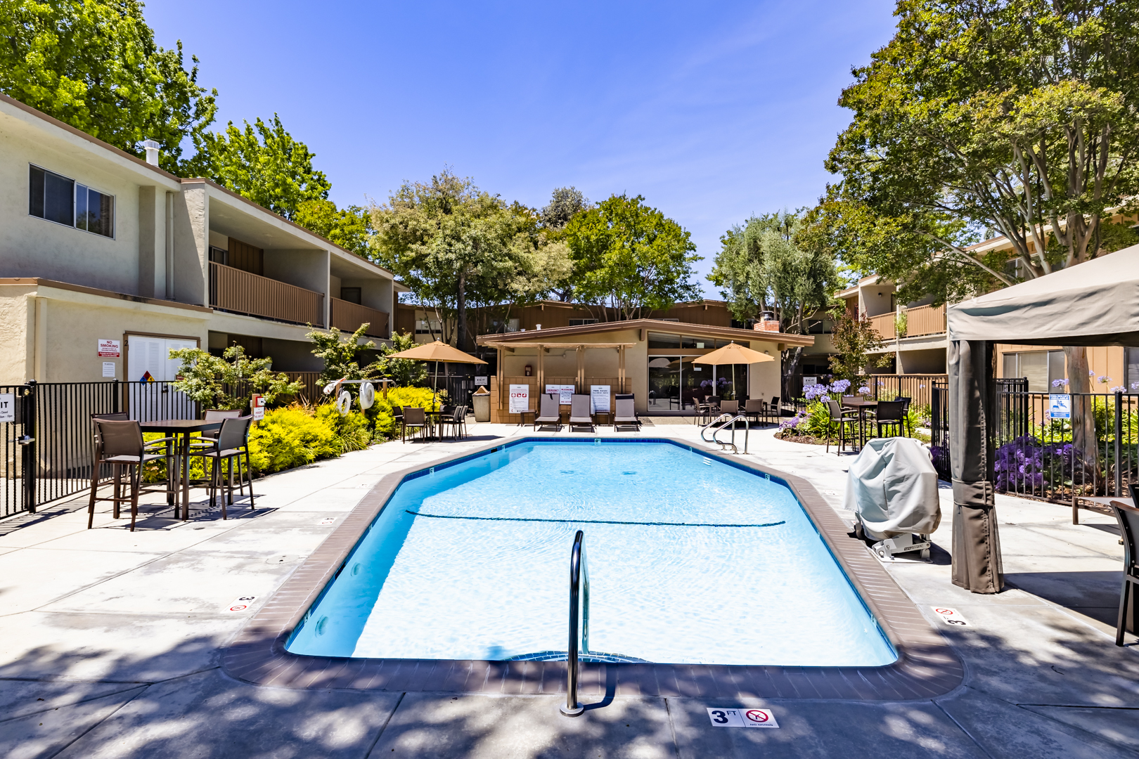 Apartments Near Cal State East Bay Sundale for California State University-East Bay Students in Hayward, CA