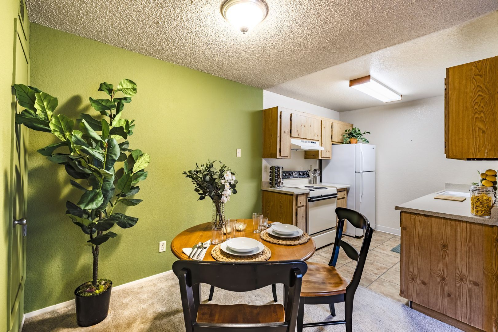 Apartments Near Cal State East Bay Country Brook Rental Condos for California State University-East Bay Students in Hayward, CA