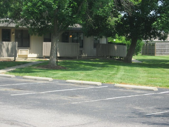Forsythia Court Apartments for Rent - 6001 Barley Ave, Louisville ...