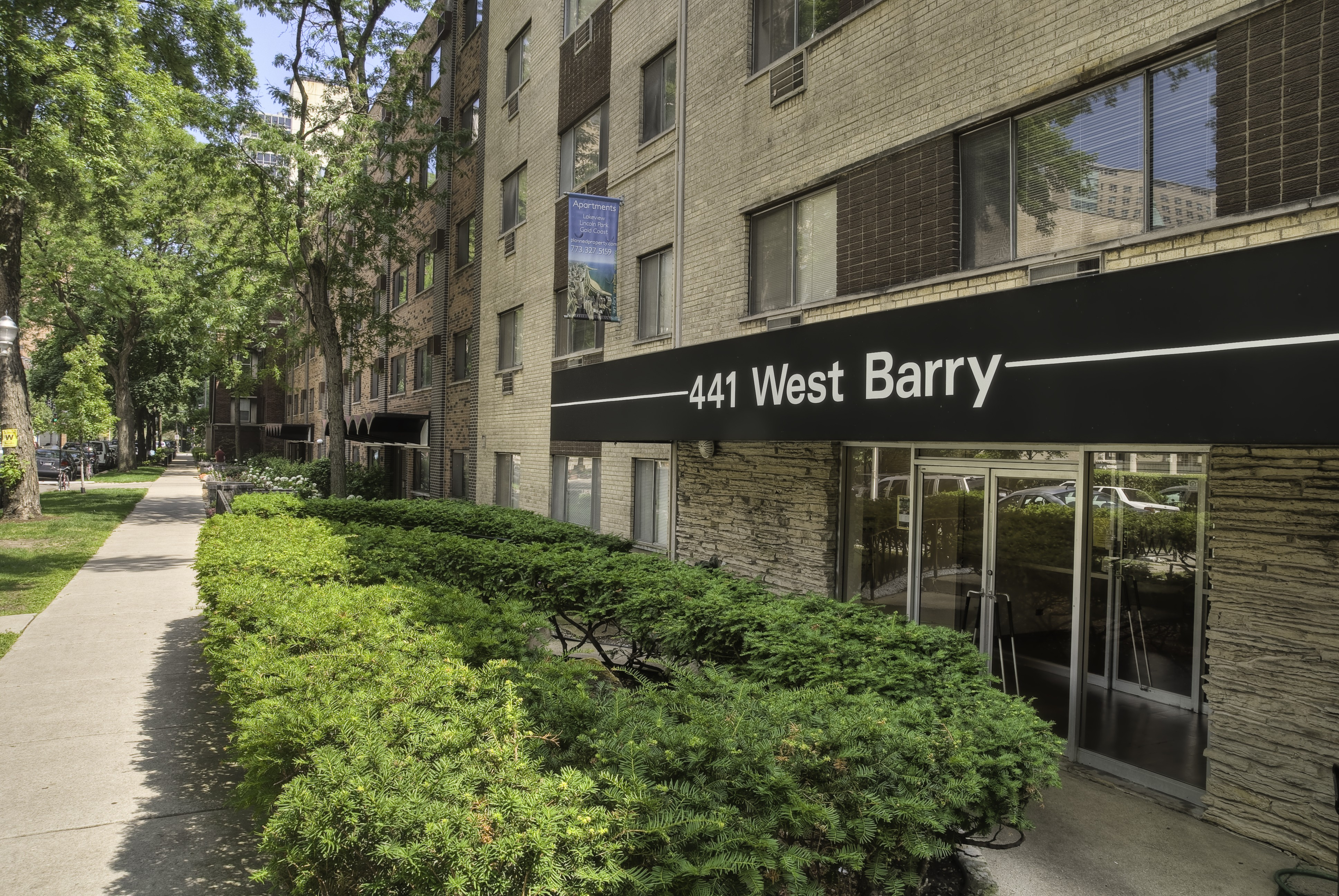 441 W Barry Ave Chicago Il 60657 Studio Apartment For