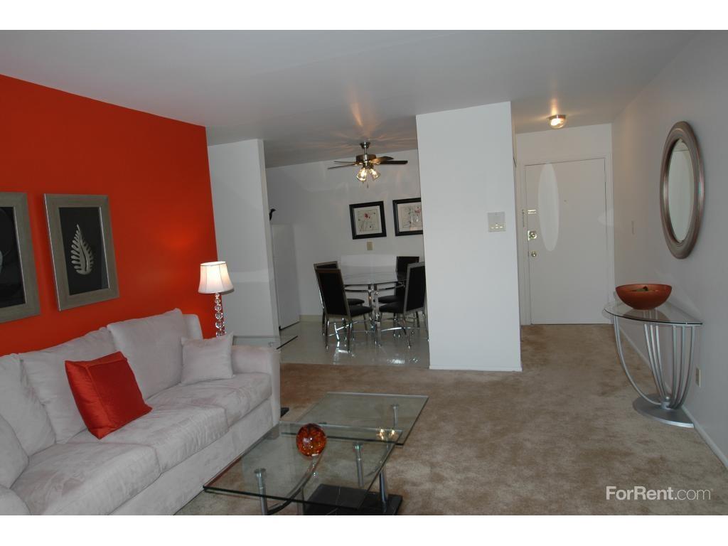 2975 S 92nd St West Allis Wi 53227 1 Bedroom Apartment For Rent Padmapper