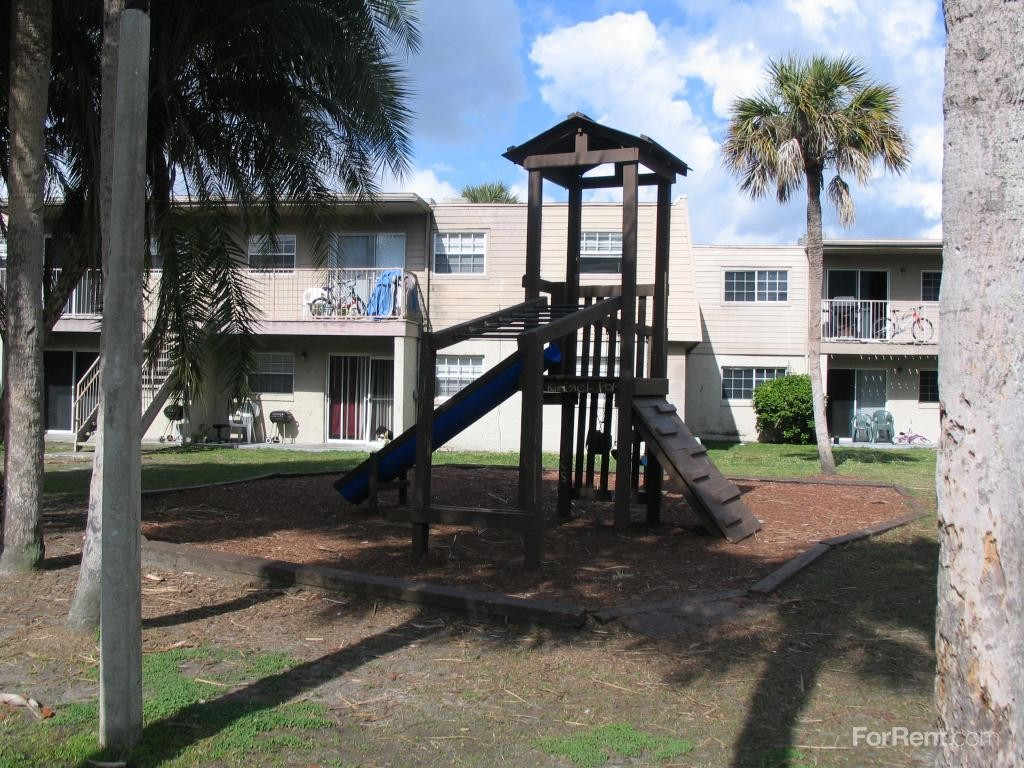 7660 Forest City Rd G Orlando Fl 32810 3 Bedroom Apartment For Rent Padmapper