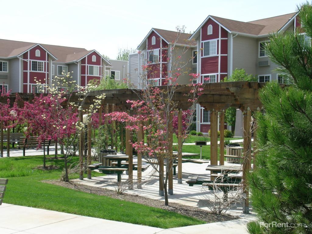 Mallard Pointe Senior Apartments 508 E 50th St Garden