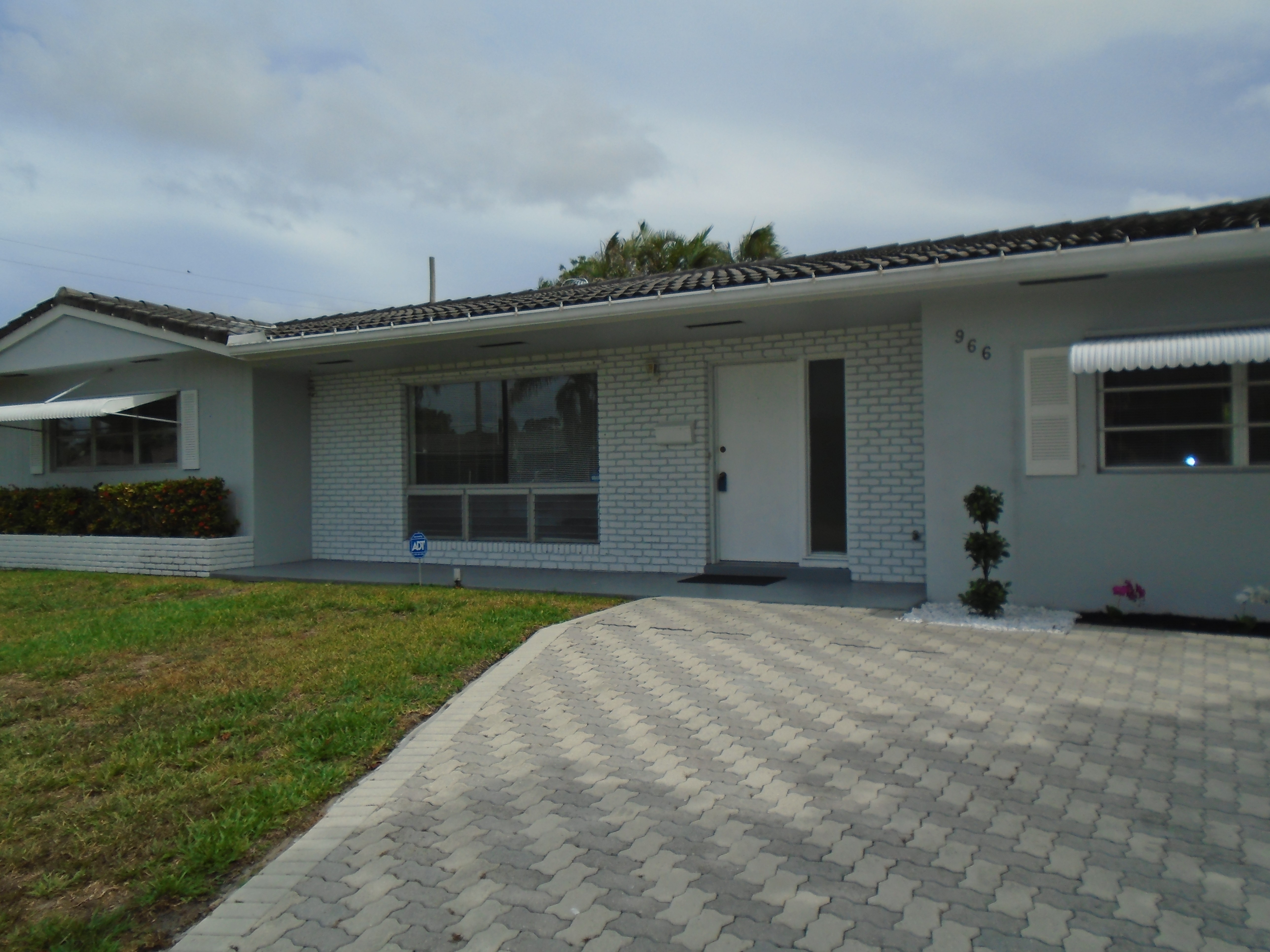 W Royal Palm Rd Boca Raton Fl 33486 3 Bedroom House For Rent For 2 100 Month Zumper