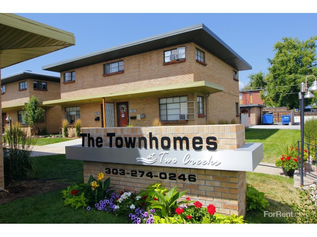 The Townhomes At Two Creeks Apartments For Rent 7478 W 10th Ave Lakewood Co 80214 With 2