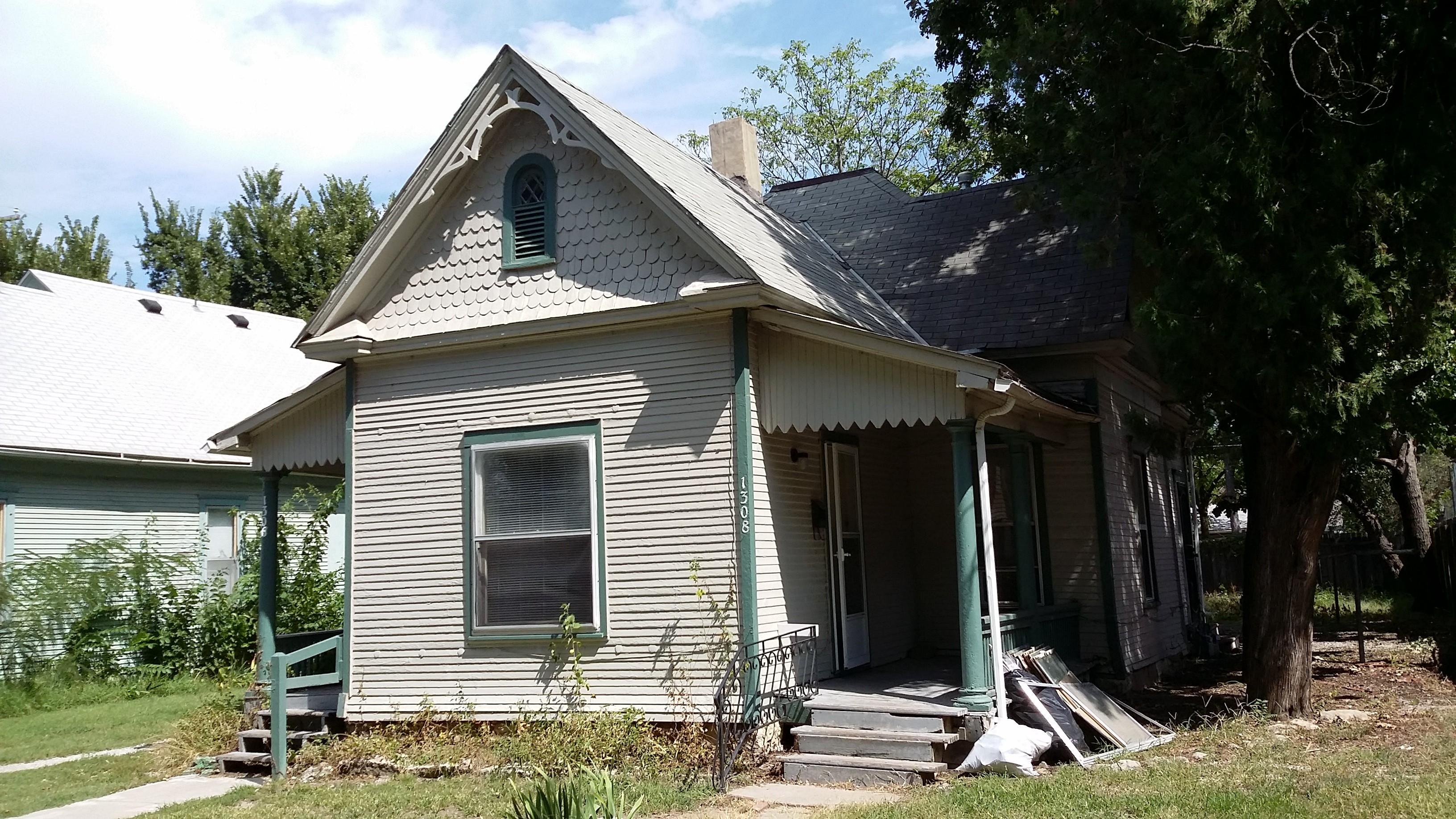220 S Kansas St 3 Wichita Ks 67211 1 Bedroom Apartment For Rent Padmapper