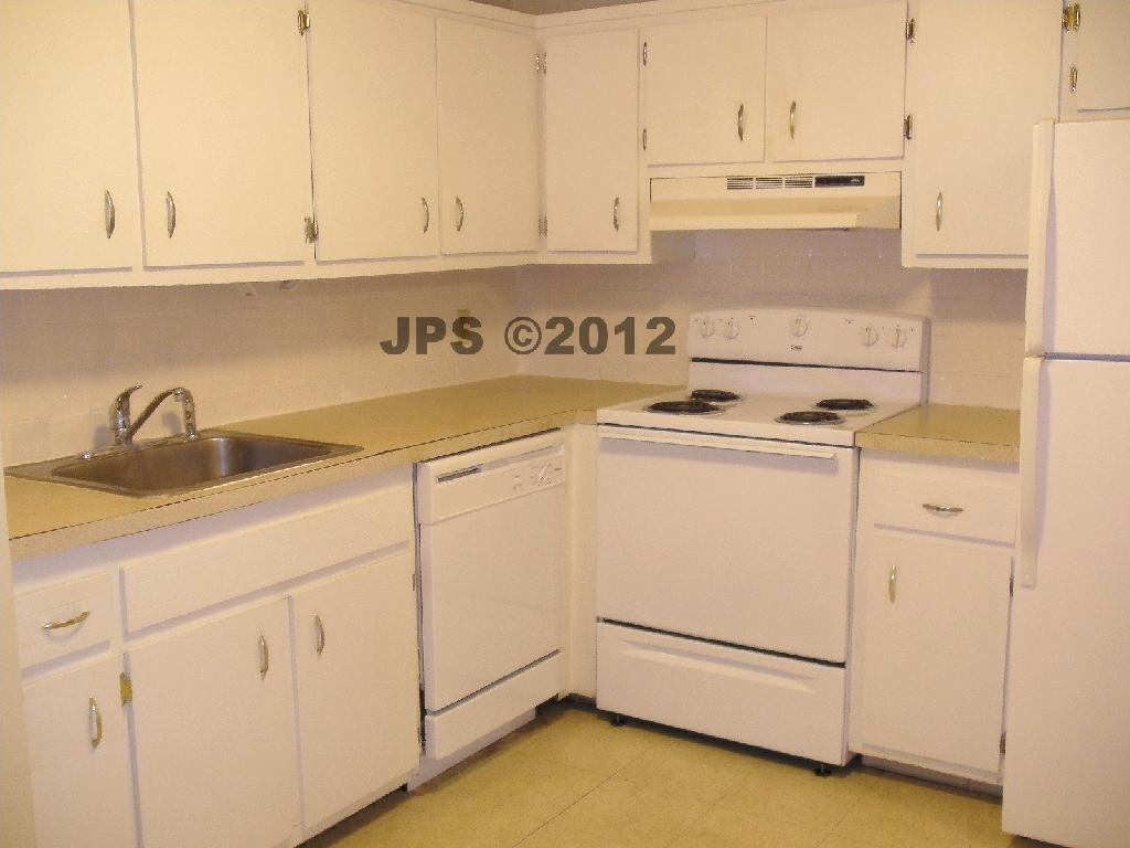Central St Leominster Ma 01453 1 Bedroom Apartment For Rent Padmapper