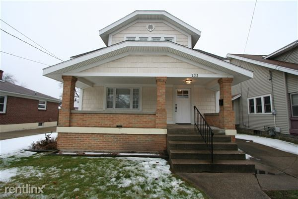 233 garfield ave sw grand rapids mi 49504 5 bedroom house for rent for 2 500 month zumper