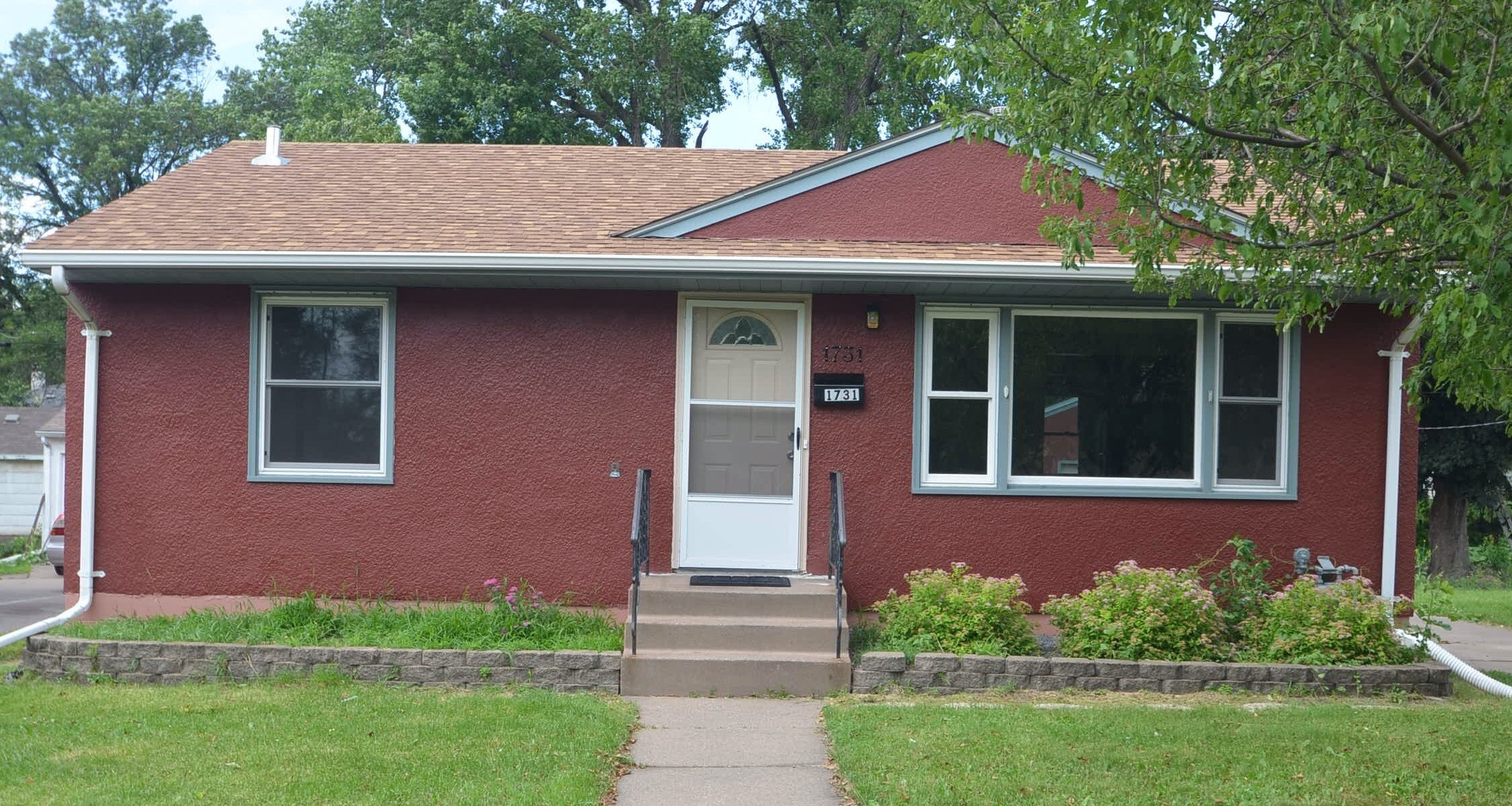 4 Bedroom House For Rent In St Paul Mn 1731 Idaho Ave E St Paul Mn 55106 4 Bedroom House For