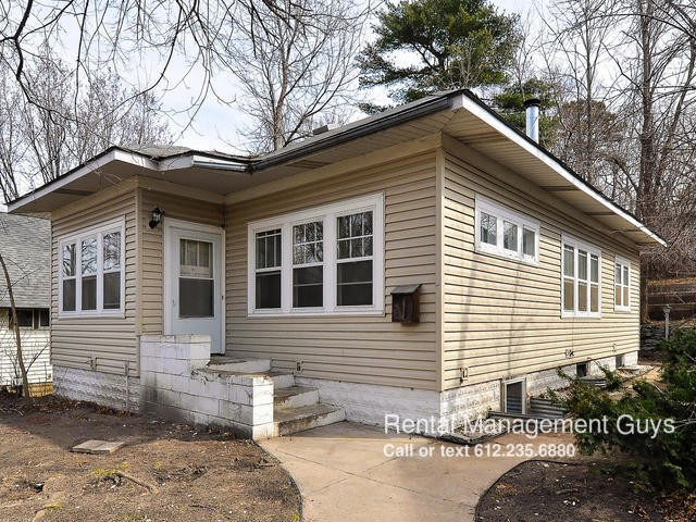 2827 Ne Taylor St Minneapolis Mn 55418 4 Bedroom House For Rent For 1 450 Month Zumper