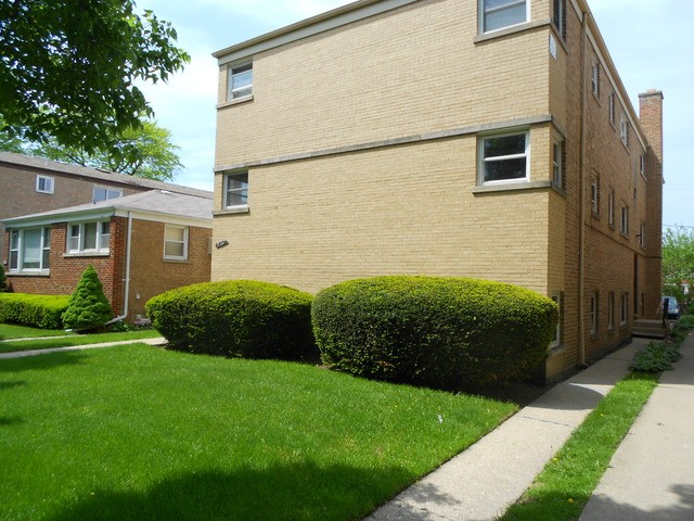 2137 howard st 1n chicago il 60202 2 bedroom apartment for rent