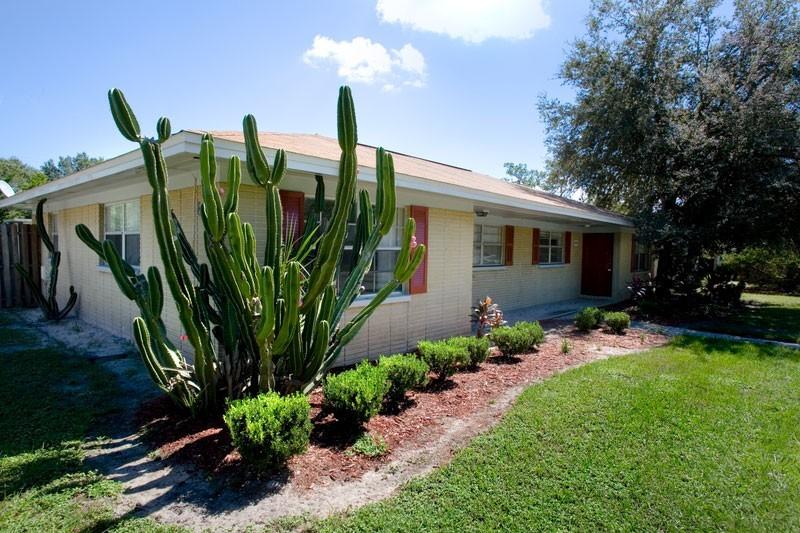 Bungalow Oaks - 13418 Dottie Dr, Tampa, FL 33617 - Apartment for ...