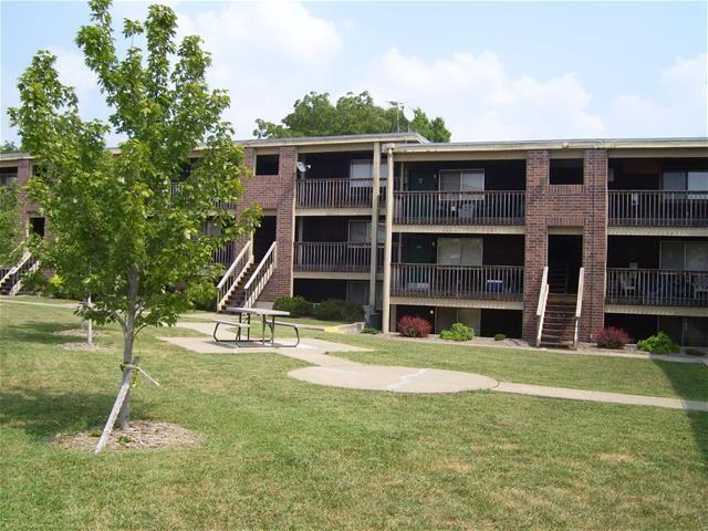College Villas - 1436 SW Byron St, Topeka, KS 66604 - Apartment for ...