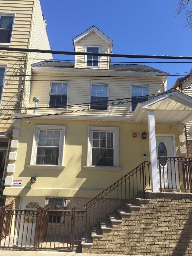 168 New York Ave Jersey City NJ 07307 3 Bedroom Apartment For Rent For 2 3