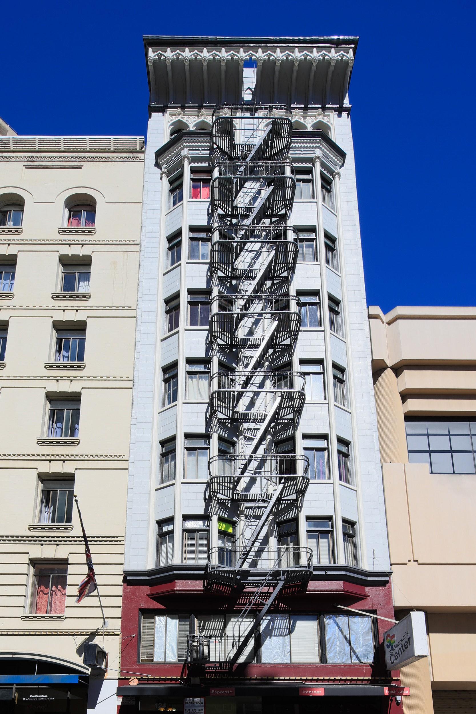 124 MASON Apartments